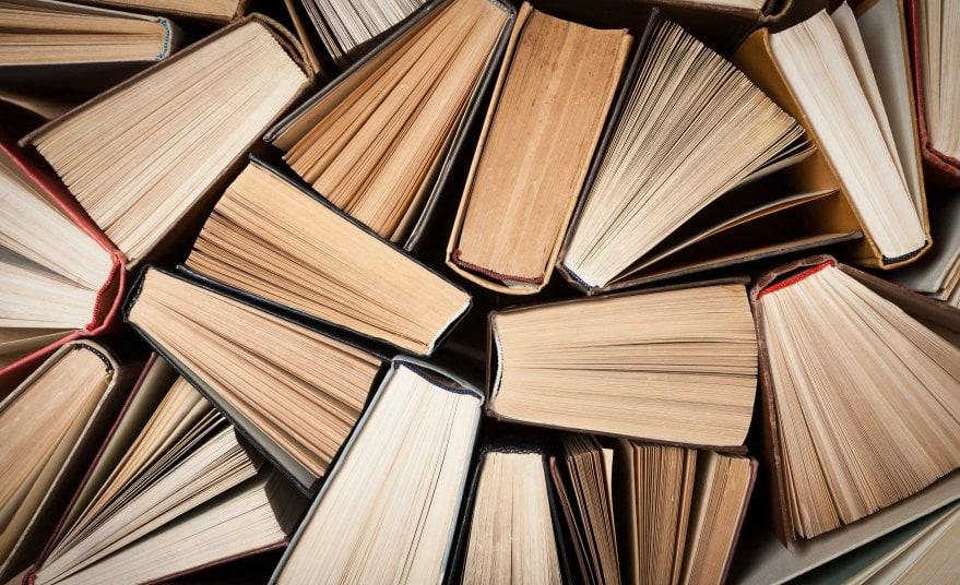 От Стивена Кинга до Энн Ламотт: 9 вдохновляющих книг о том, как писать.
